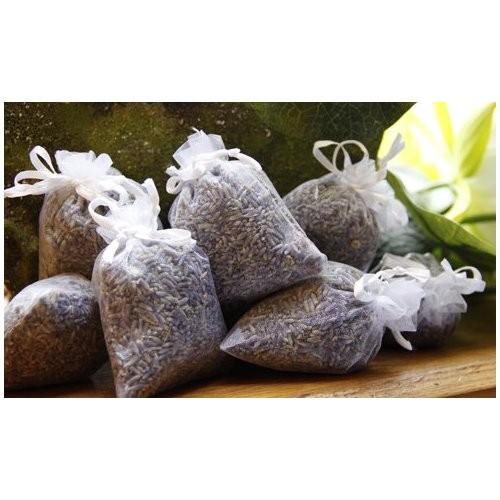 Weisse Lavendelsäckchen mit echtem französischen Lavendel