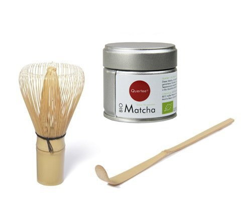 Japan Original Matcha - Bio - 30 g Dose von Quertee® & Matcha Besen & Matcha Bambuslöffel
