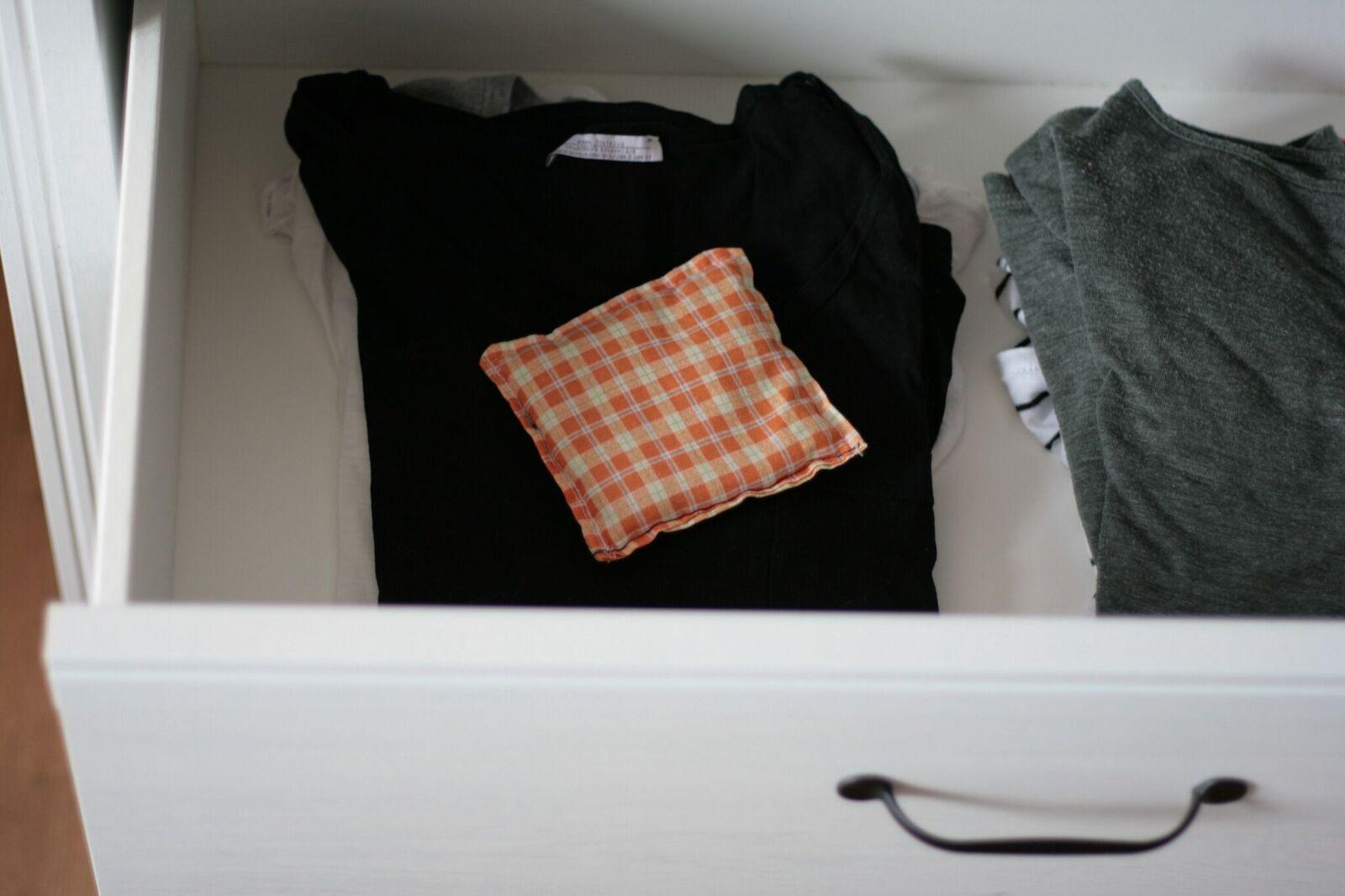 05-lavendelsaeckchen-im-kleiderschrank